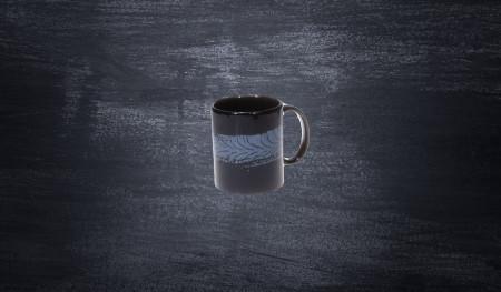Kubek porcelanowy DMEC ze śladem opony czarny